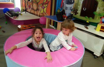 """מטיילים עם ילדים – מה עושים בחופשה בארץ או בחו""""ל?"""